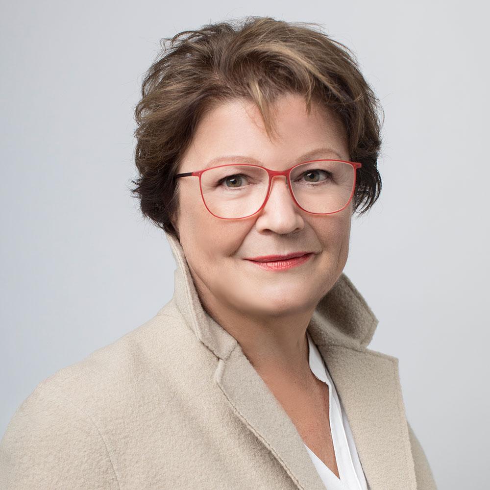 Über Verena Dummermuth